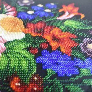 картина Жостовские цветы вышитая бисером крупно